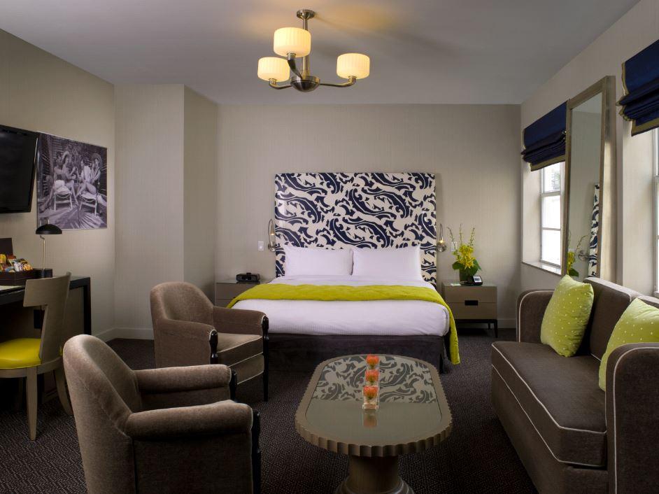 Breakwater Junior Suite Bed Living