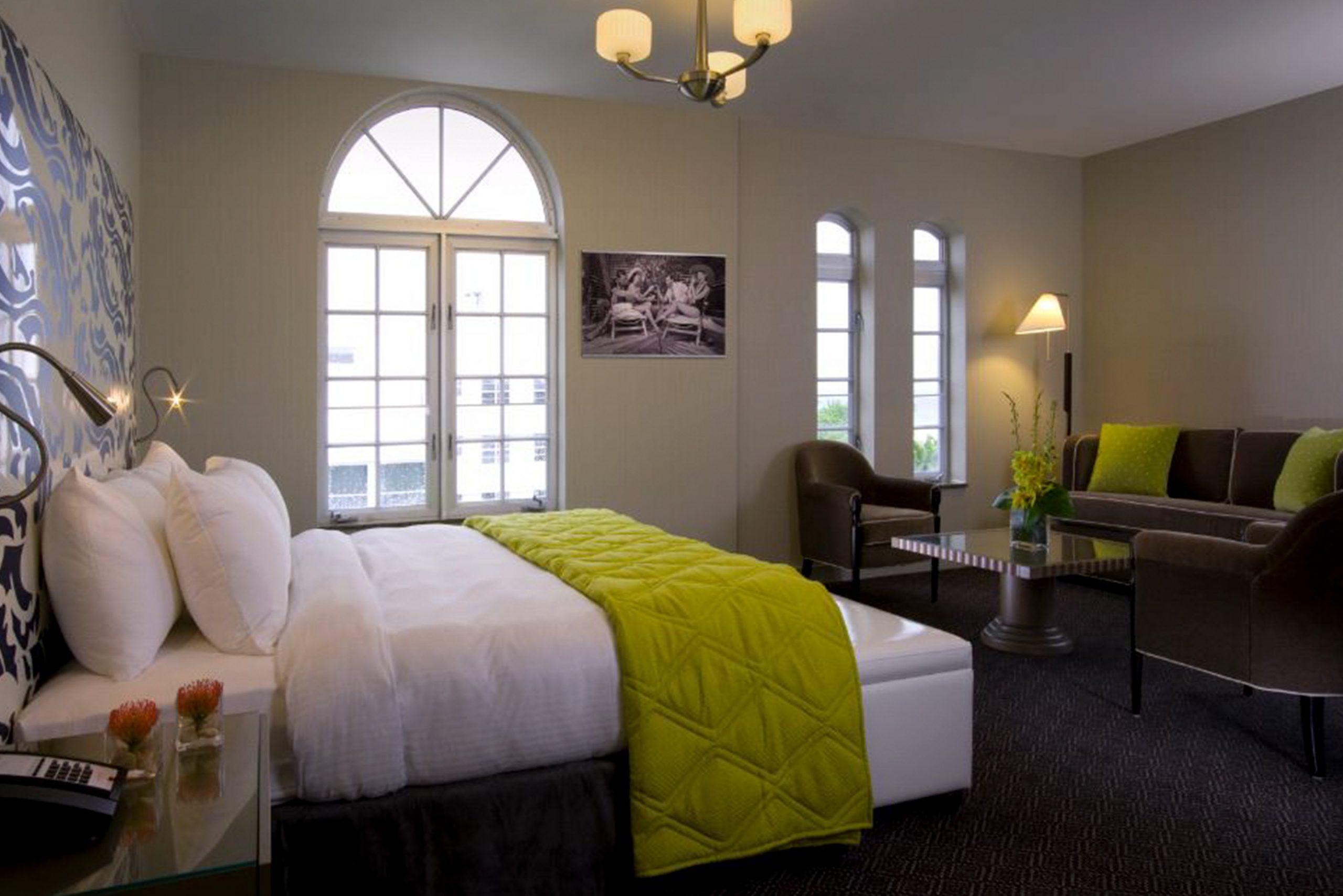 Breakwater-Penthouse-Bedroom